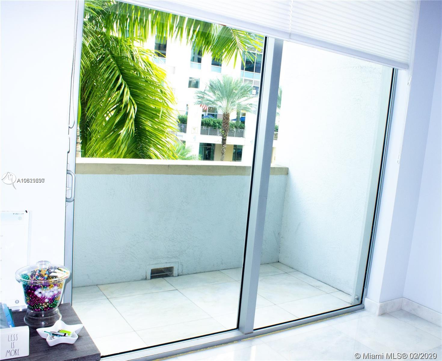 1060 Brickell Ave #211 photo011