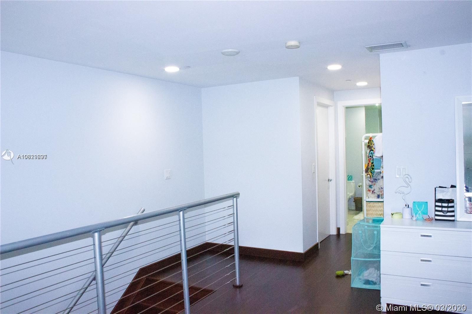 1060 Brickell Ave #211 photo021