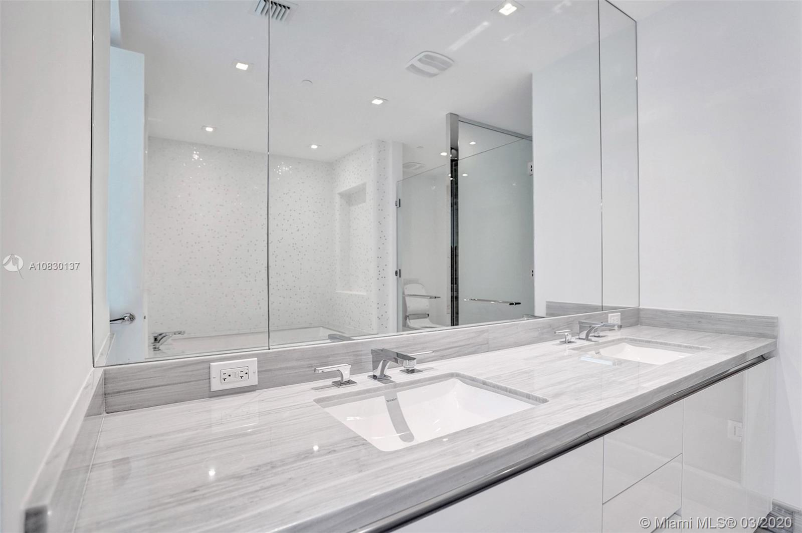 16901 Collins Ave #2501 photo020