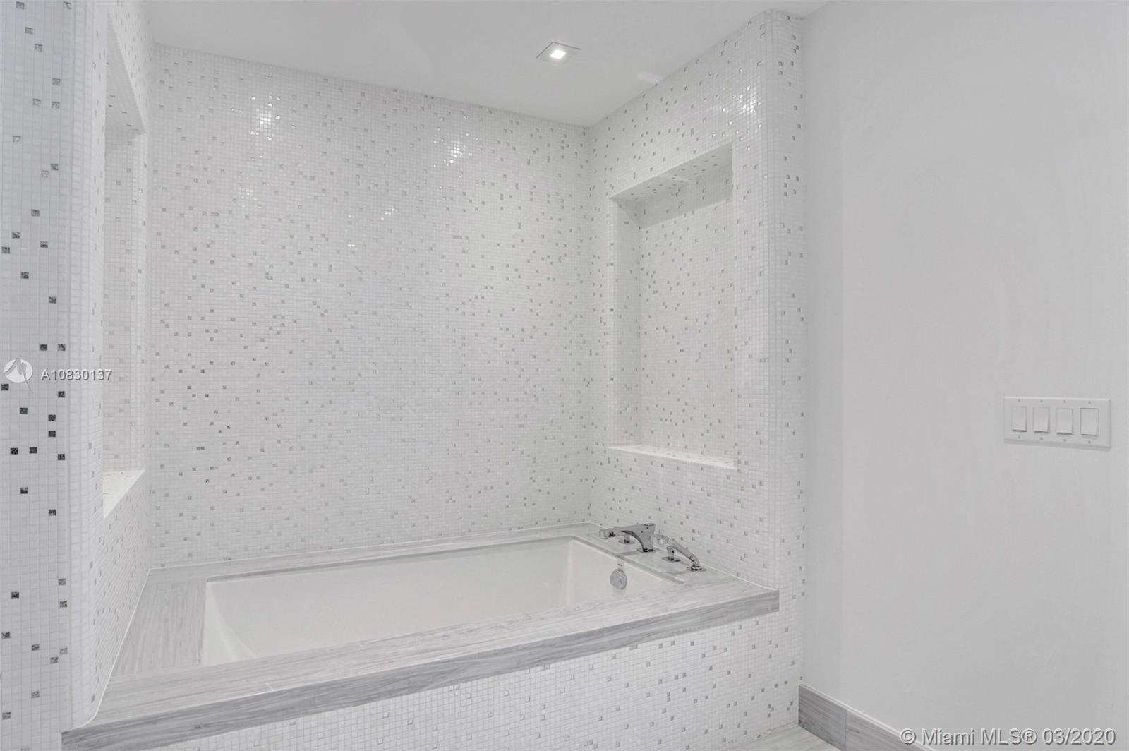 16901 Collins Ave #2501 photo019