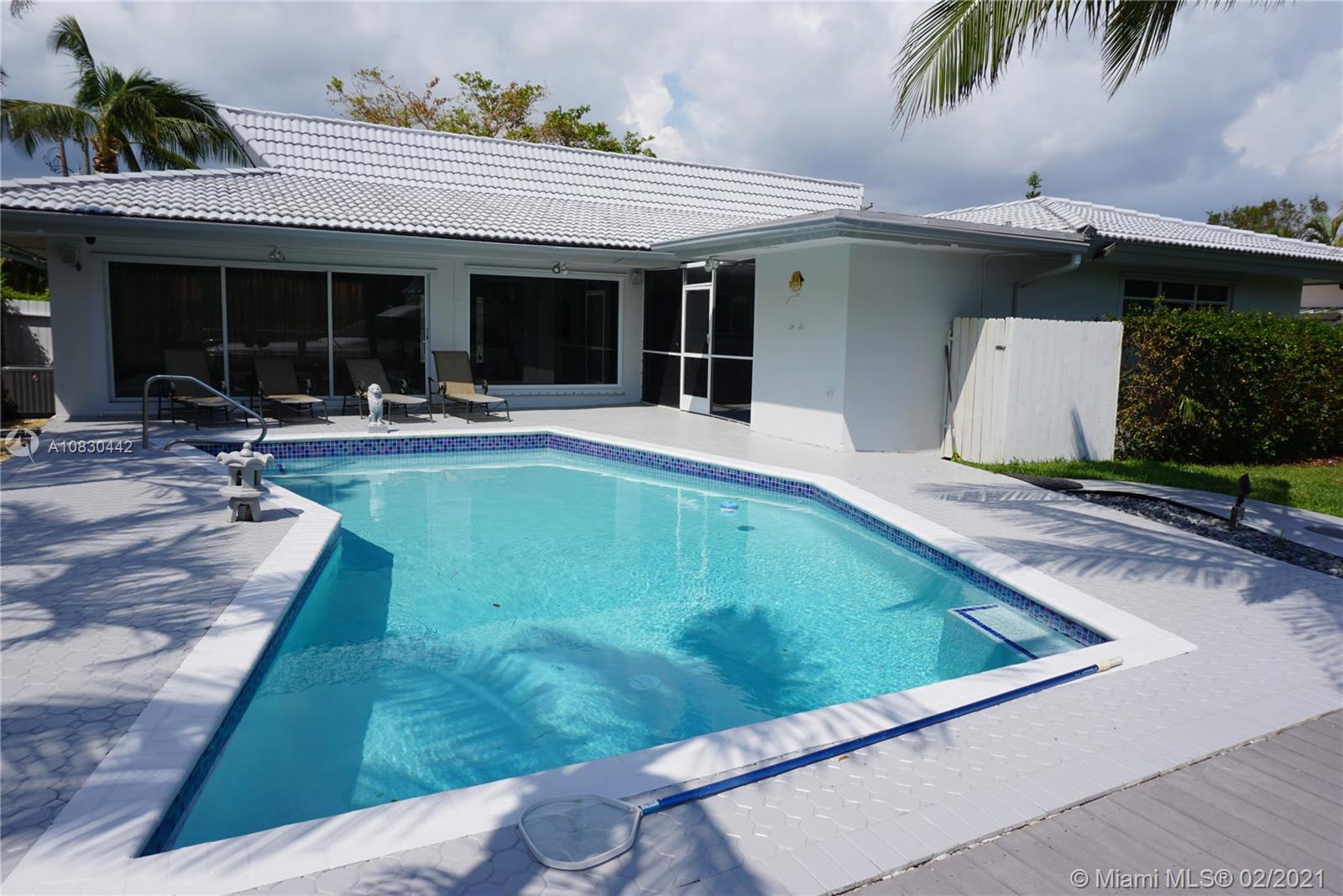 North Miami Beach - 13015 Keystone Ter, North Miami, FL 33181