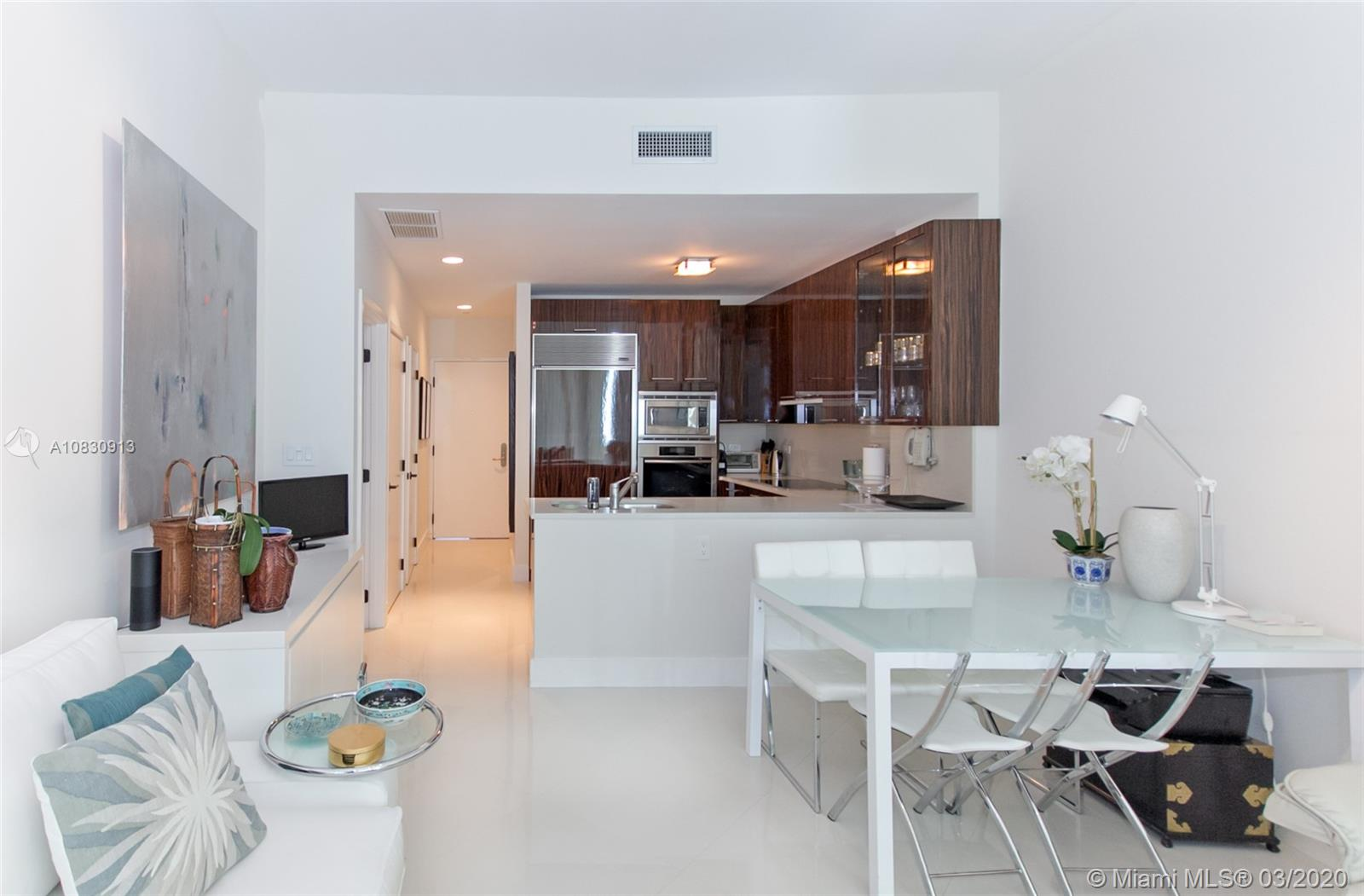 6799 Collins Ave #207 photo07