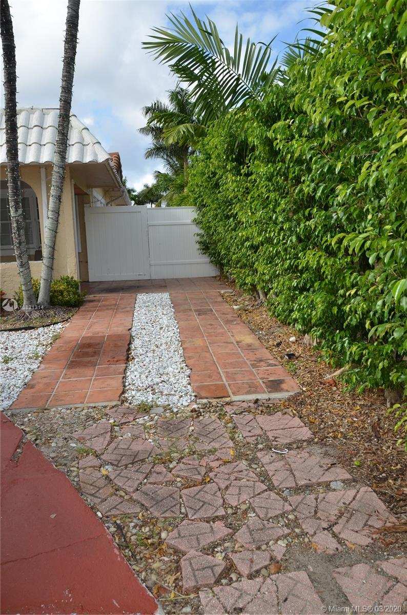 2313 E Las Olas Blvd photo056