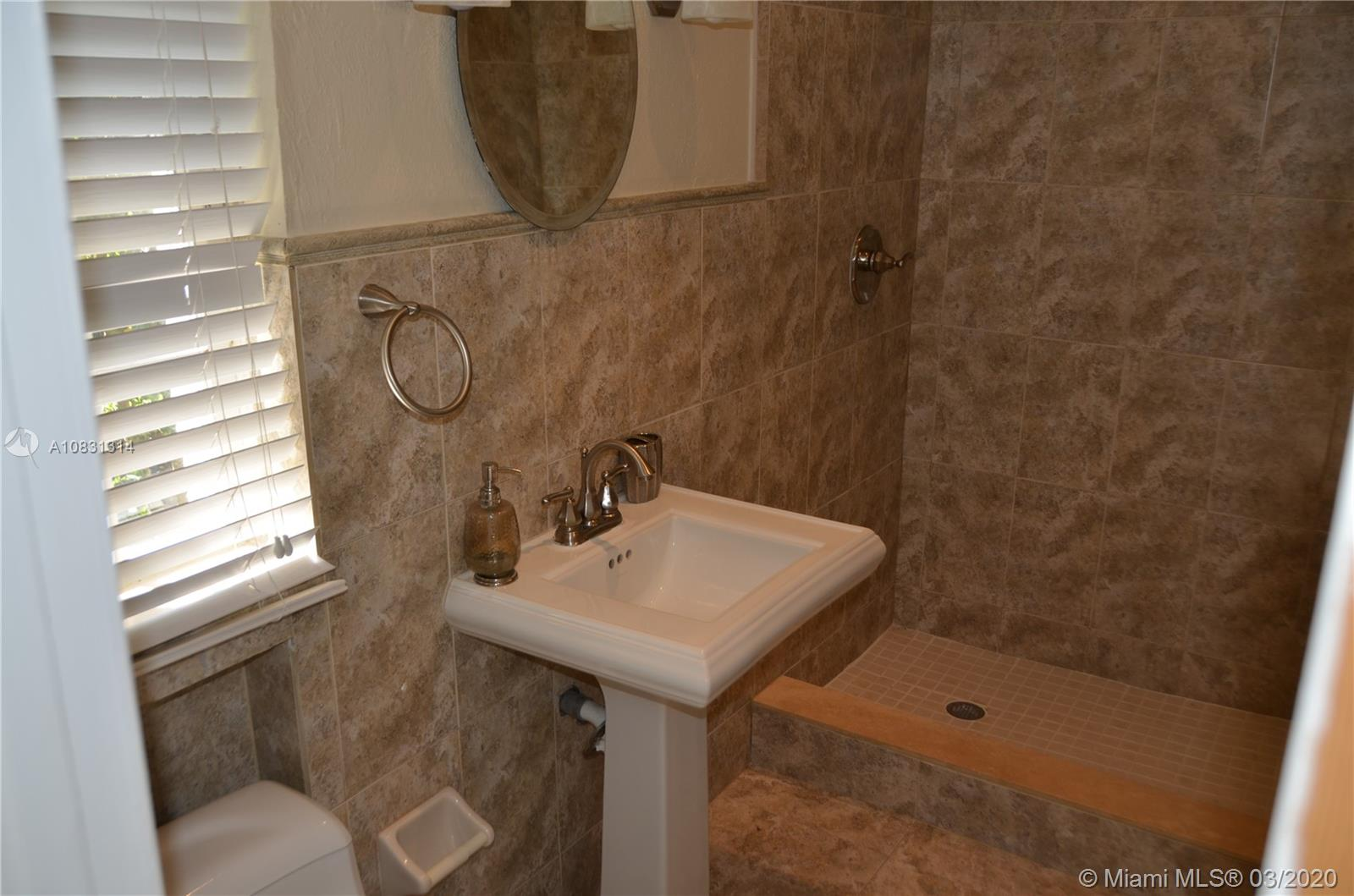 2313 E Las Olas Blvd photo022
