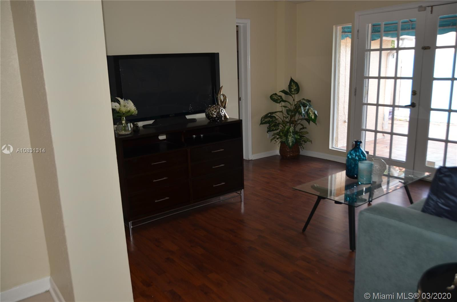 2313 E Las Olas Blvd photo036