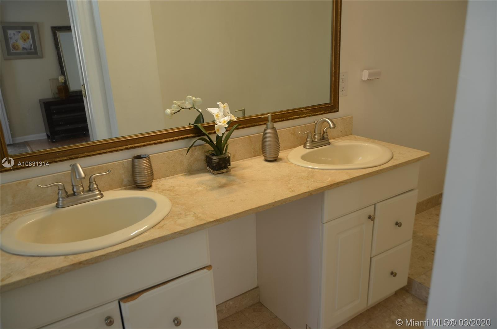 2313 E Las Olas Blvd photo030