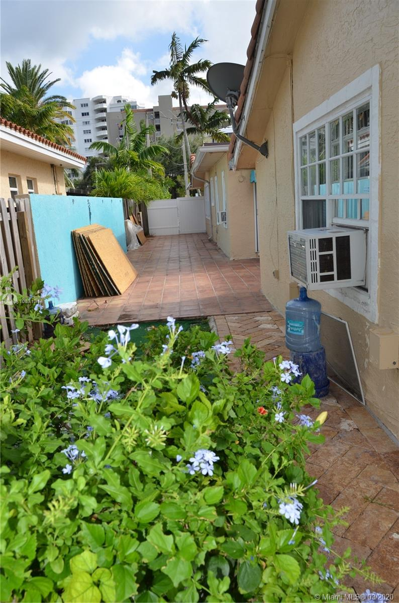 2313 E Las Olas Blvd photo054