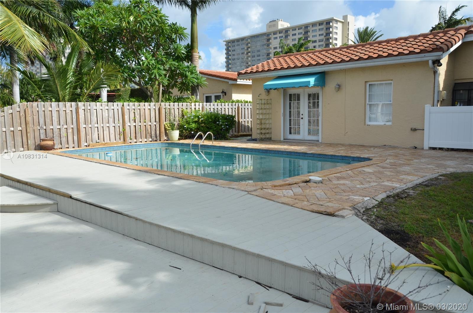 2313 E Las Olas Blvd photo048