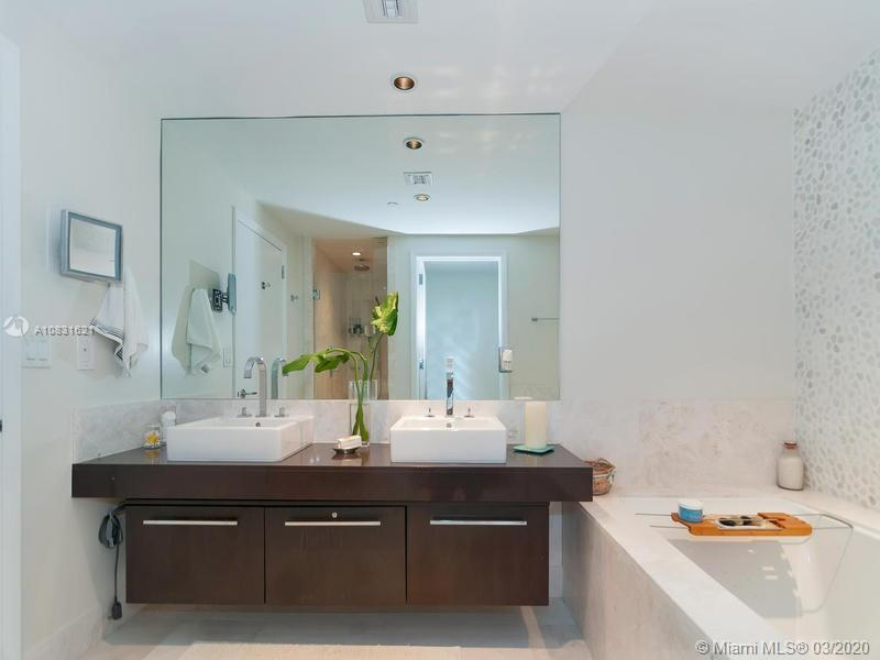 17121 Collins Ave #1605 photo026