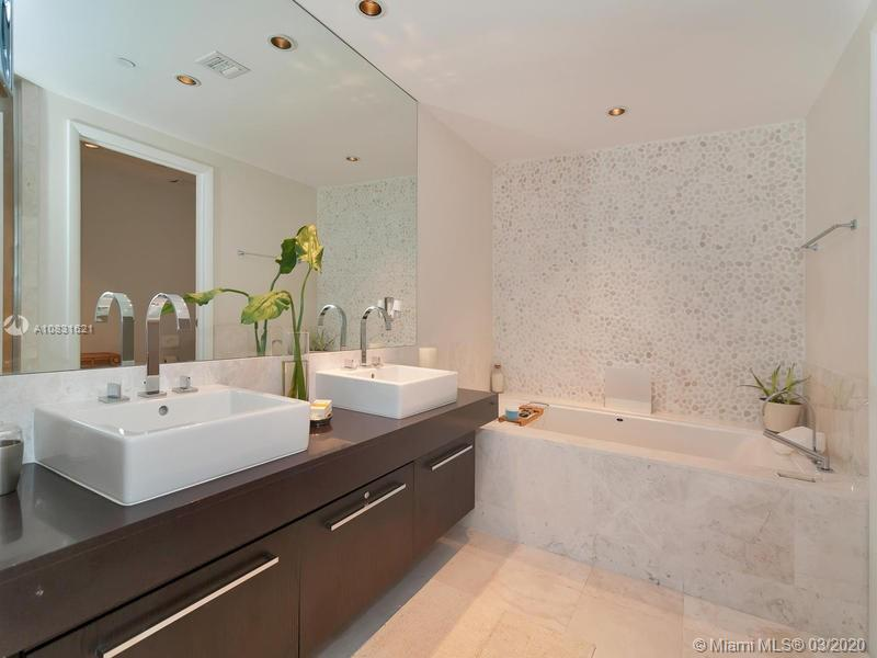 17121 Collins Ave #1605 photo022