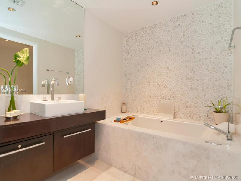 17121 Collins Ave #1605 photo024
