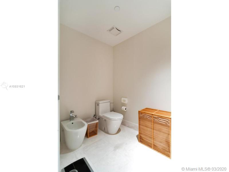 17121 Collins Ave #1605 photo025