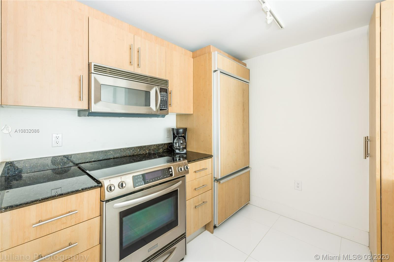 10275 Collins Ave #416 photo013