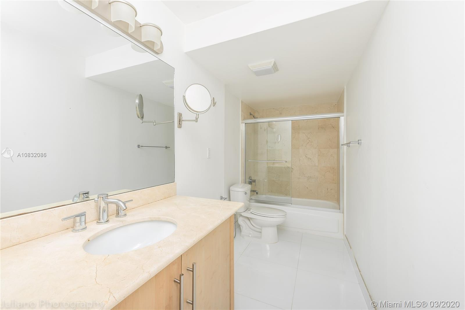 10275 Collins Ave #416 photo05