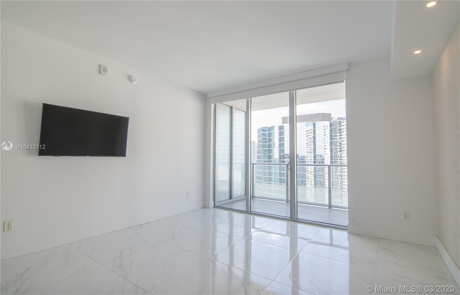 1300 Brickell Bay Dr #2812 photo06