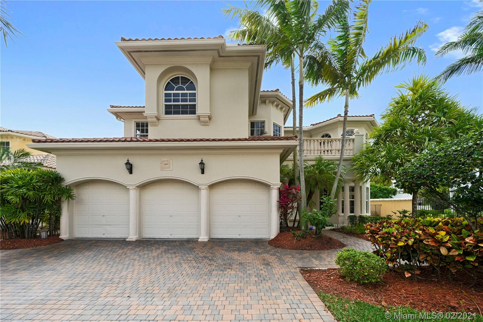 Harbor Islands - 840 Beacon Ct, Hollywood, FL 33019