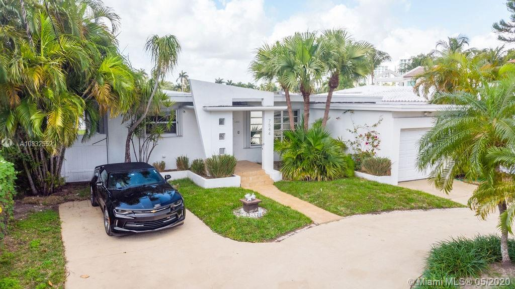 Photo of 7544 W Treasure Dr # listing for Sale