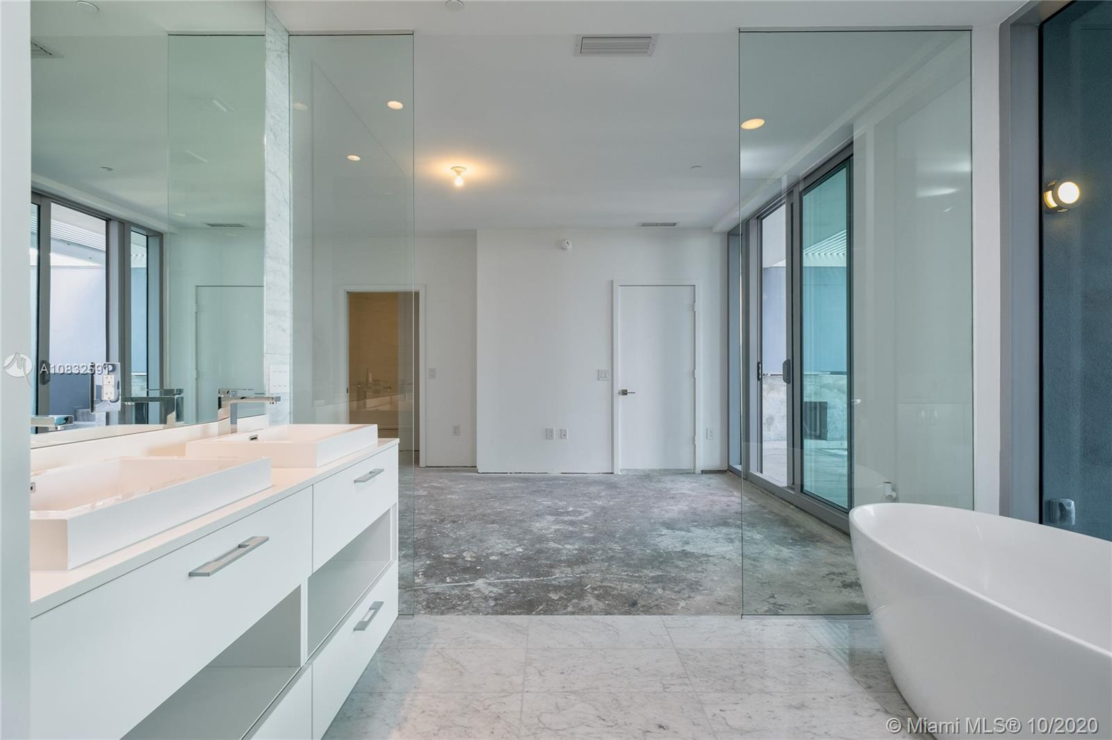 Photo of 650 NE 32nd St #BH4 listing for Sale