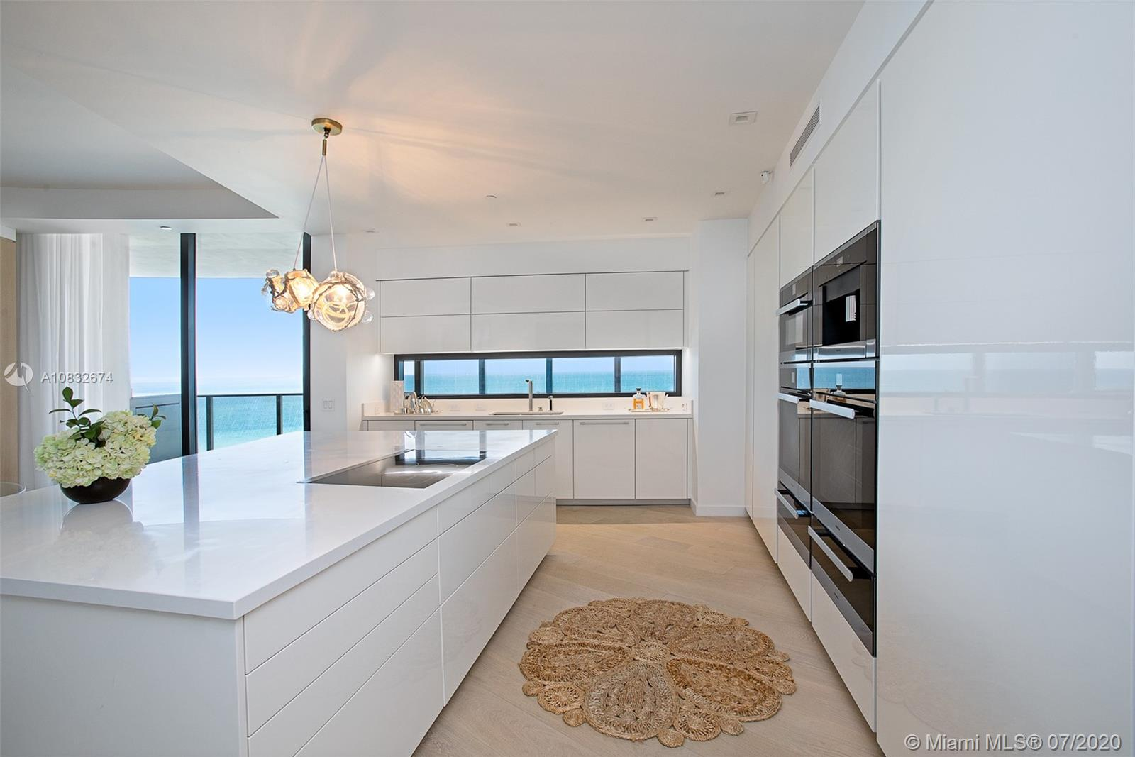18555 Collins Ave #801 photo012