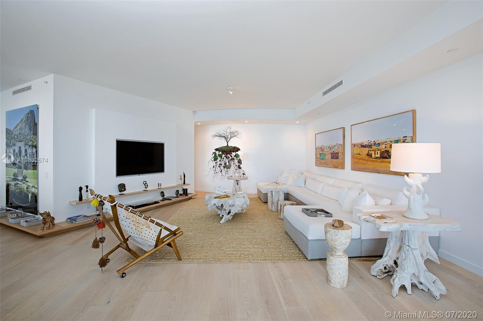 18555 Collins Ave #801 photo07