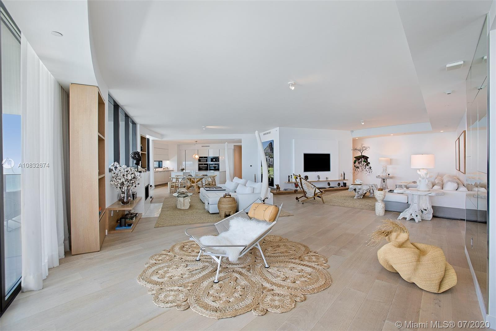 18555 Collins Ave #801 photo05
