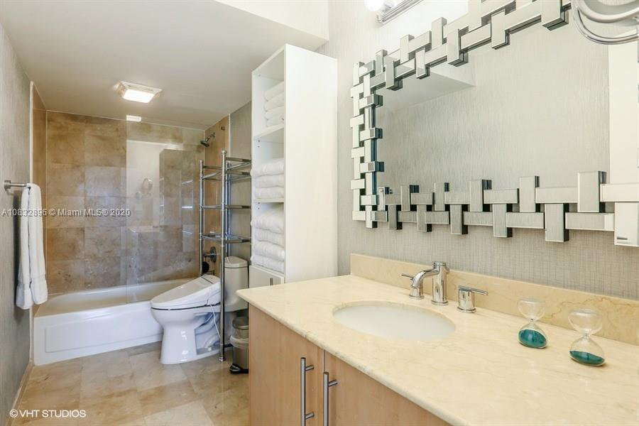 10275 Collins Ave #725 photo022
