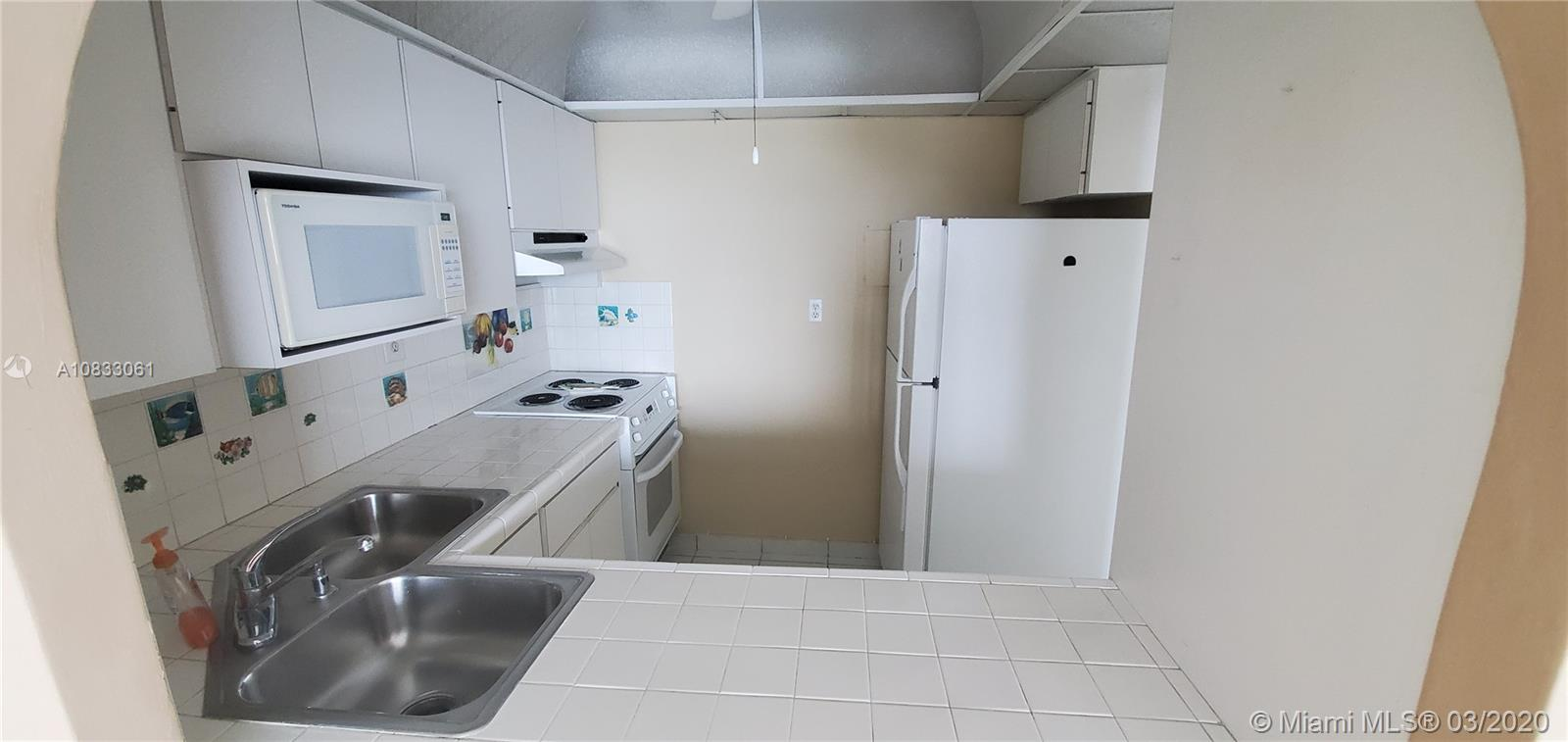 5401 Collins Ave #929 photo014