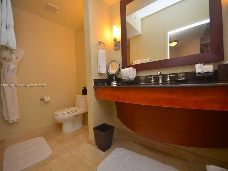 18001 Collins Ave #1810 photo014