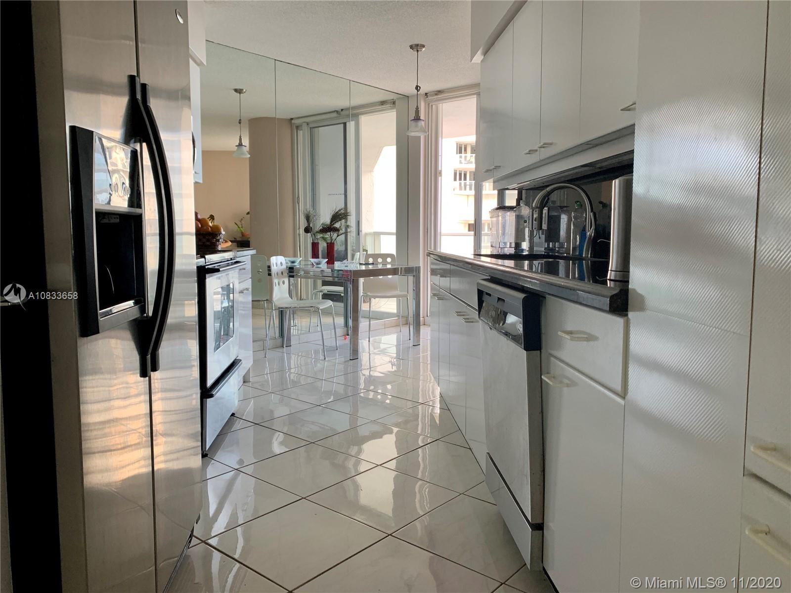 16445 Collins Ave #625 photo03