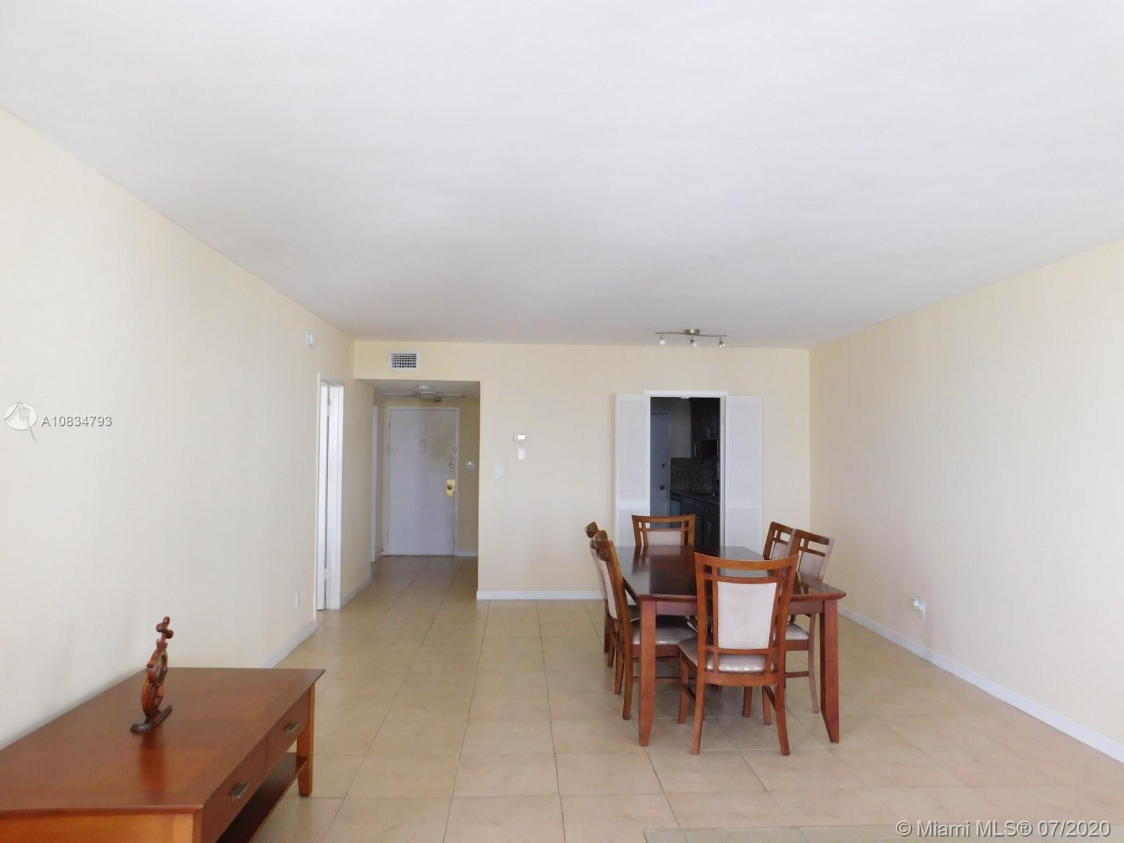 5401 Collins Ave #1213 photo01