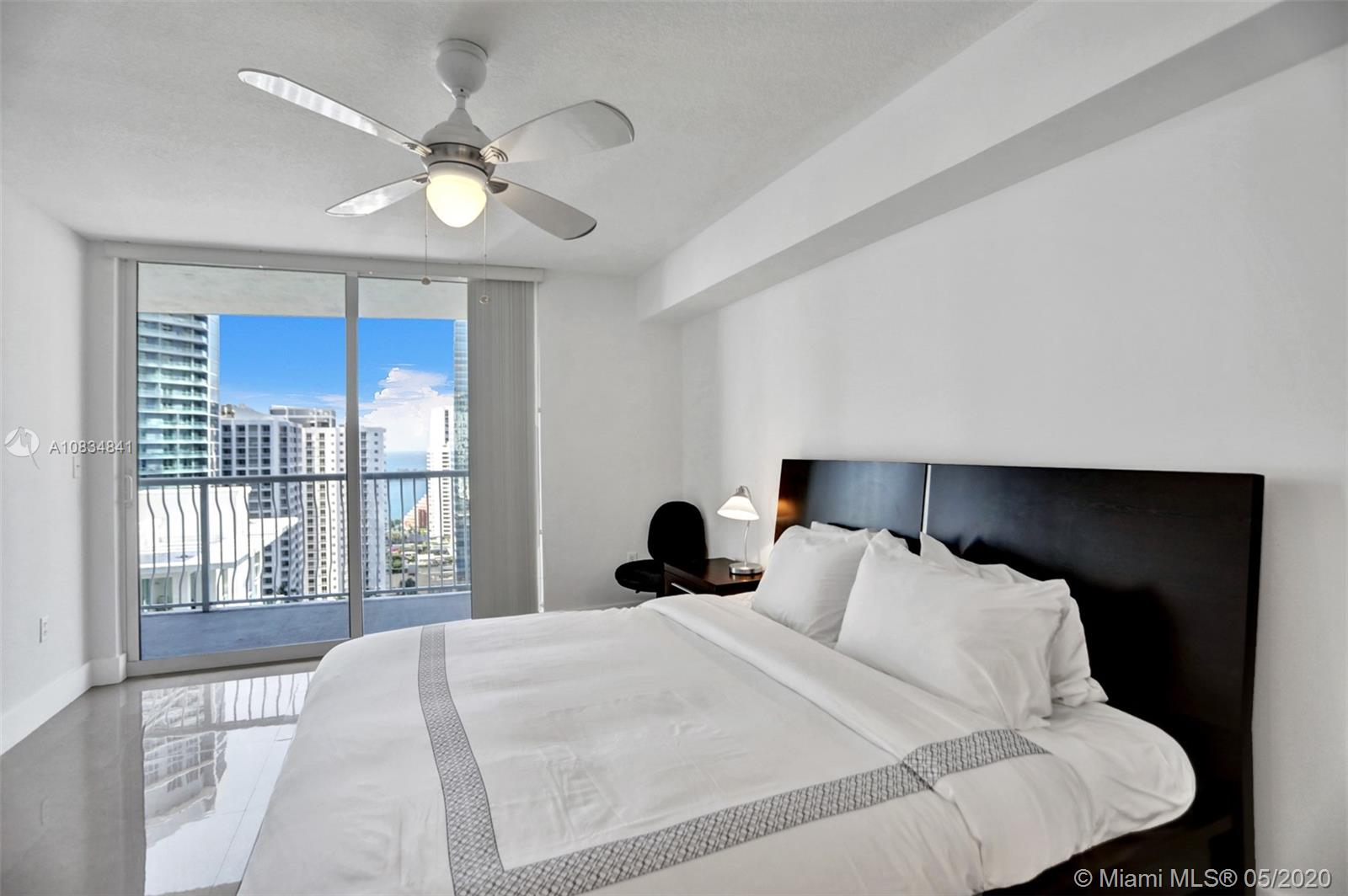 1200 Brickell Bay Dr #2919 photo010