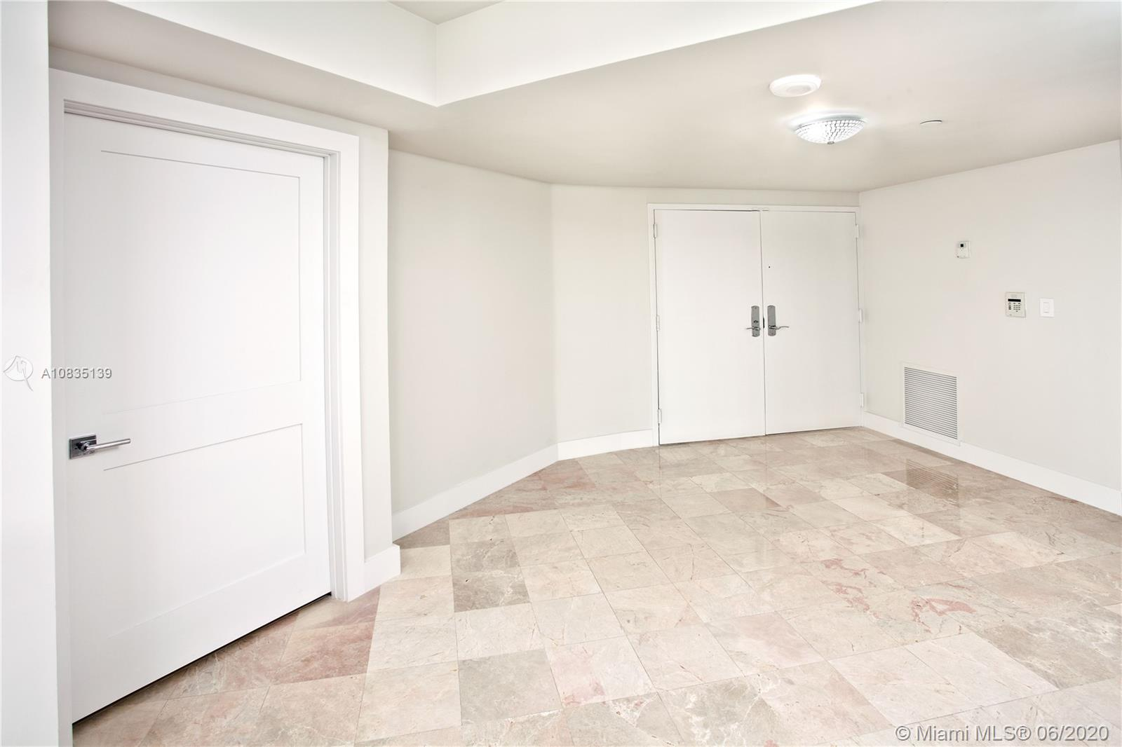 1581 Brickell Ave #2201 photo08