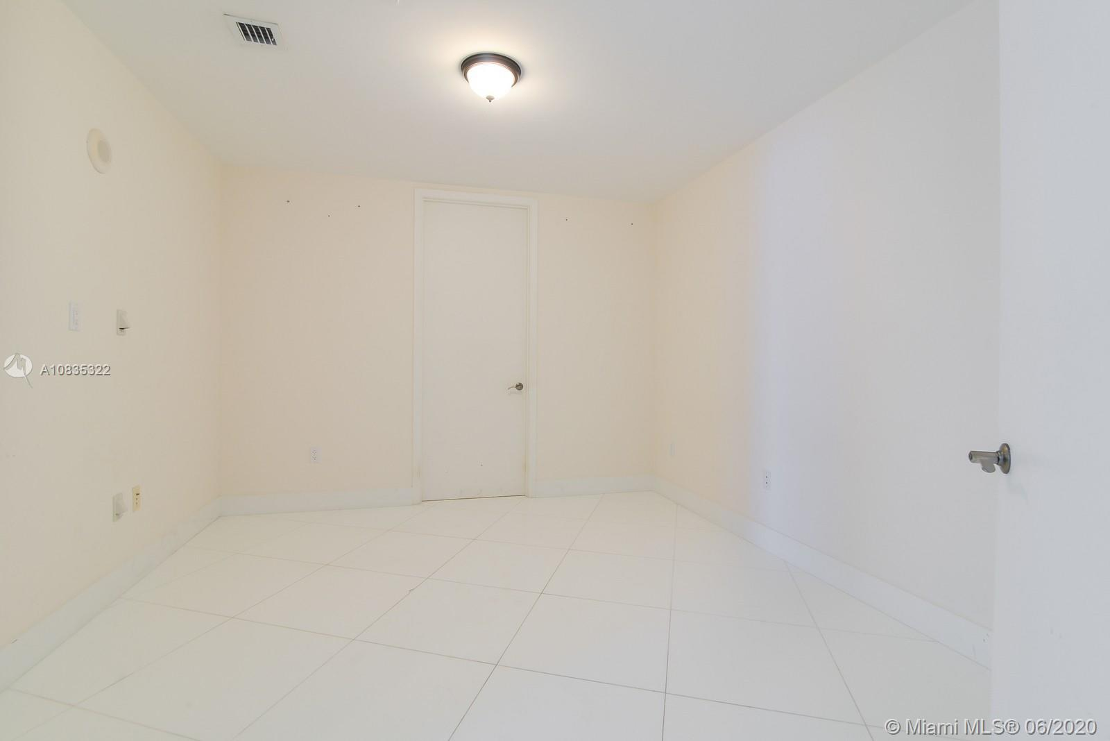 16001 Collins Ave #1503 photo015