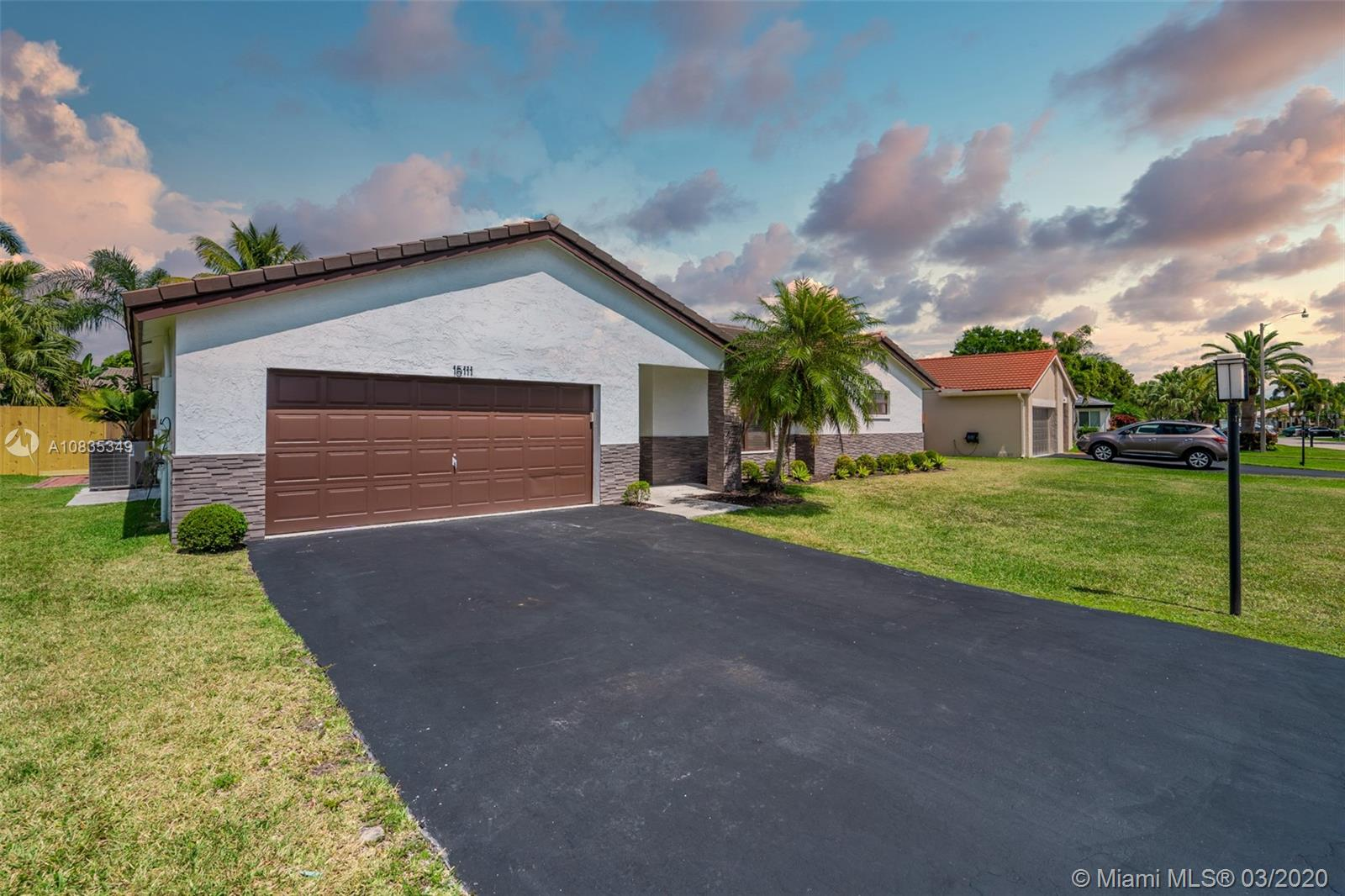 Property for sale at 15111 Windbluff St, Davie,  Florida 33331