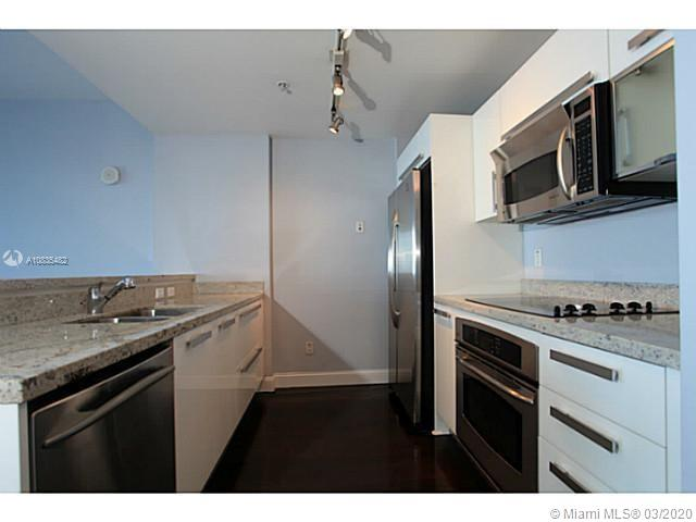 601 NE 36th St #3211 photo035