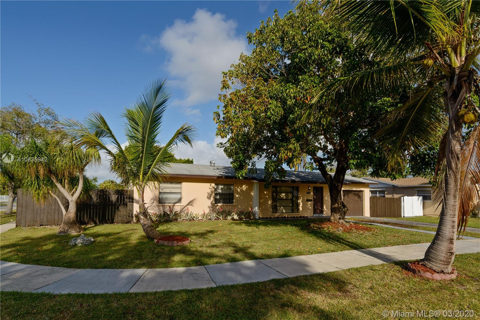 15962 SW 104th Ave, Miami, Florida 33157, 3 Bedrooms Bedrooms, ,2 BathroomsBathrooms,Residential,For Sale,15962 SW 104th Ave,A10835942
