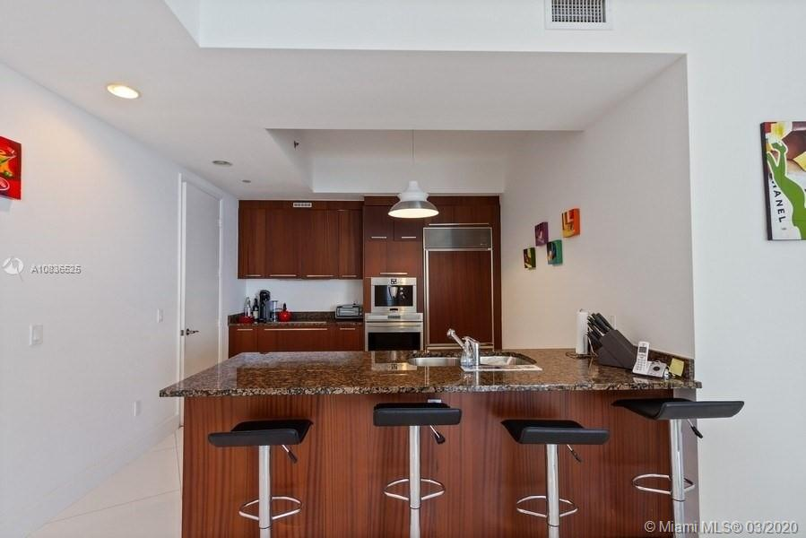15901 Collins Ave #2607 photo07