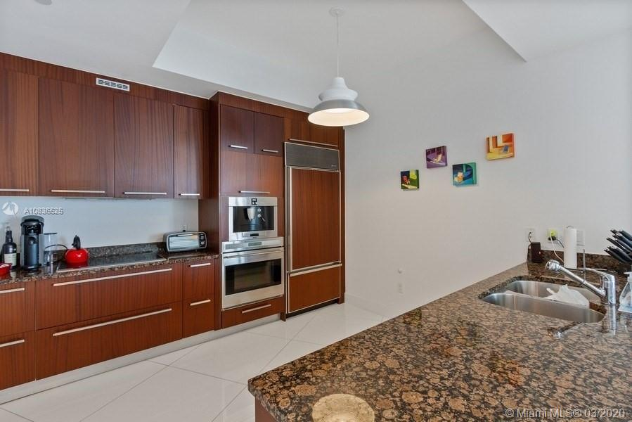 15901 Collins Ave #2607 photo08