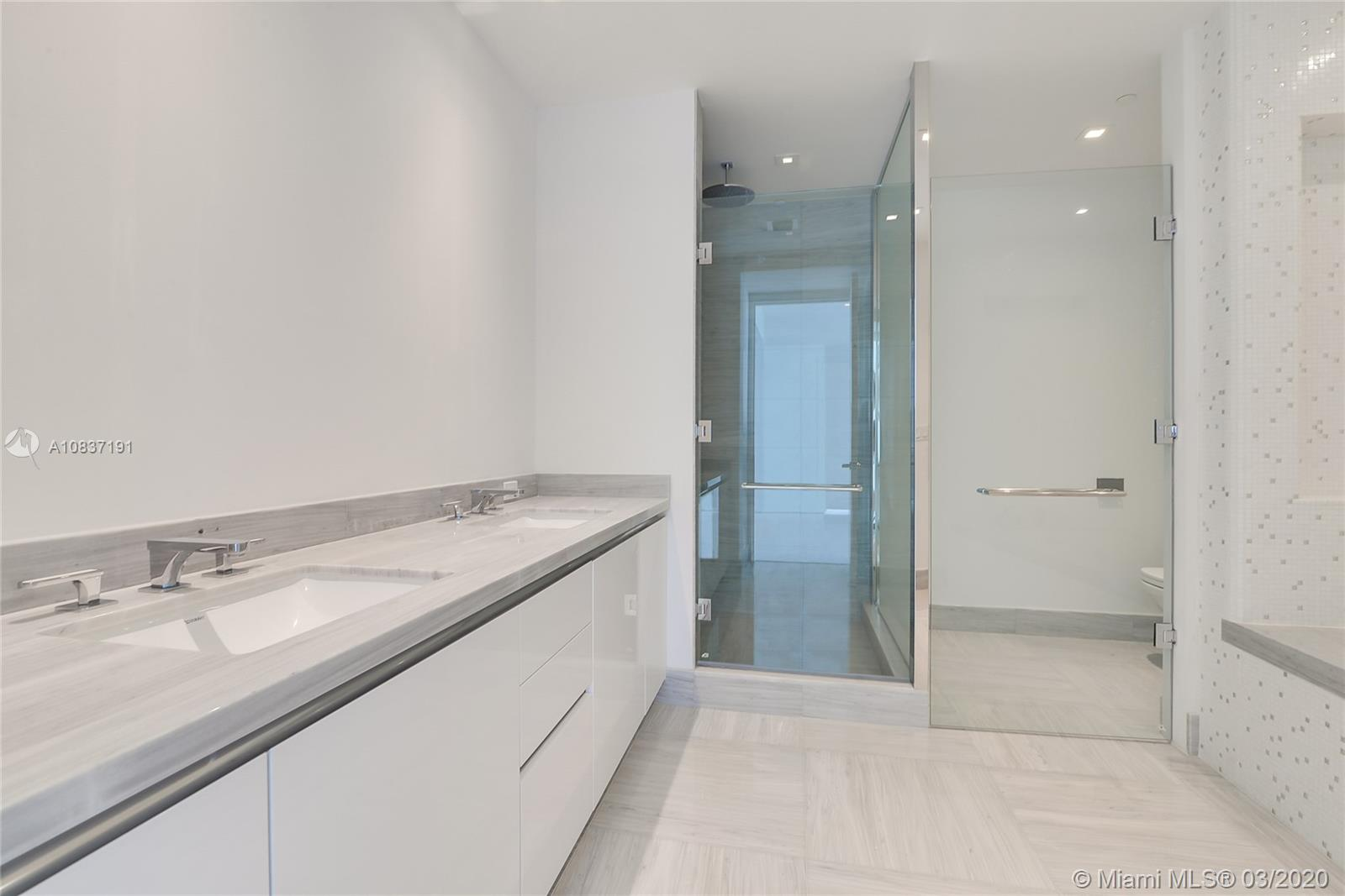 16901 Collins Ave #1601 photo07