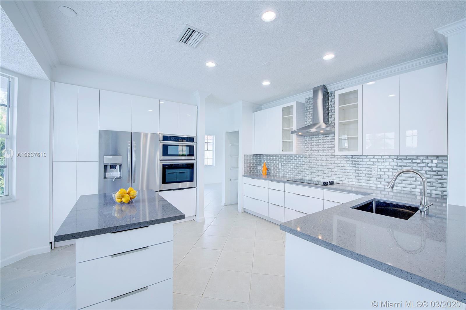 1172 Falls Blvd, Weston, Florida 33327, 5 Bedrooms Bedrooms, 8 Rooms Rooms,4 BathroomsBathrooms,Residential,For Sale,1172 Falls Blvd,A10837610