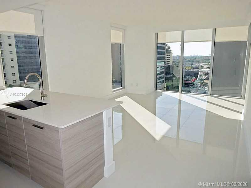 1300 Brickell Bay Dr #1001 photo02