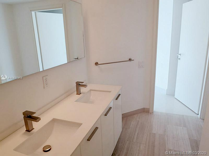1300 Brickell Bay Dr #1001 photo017