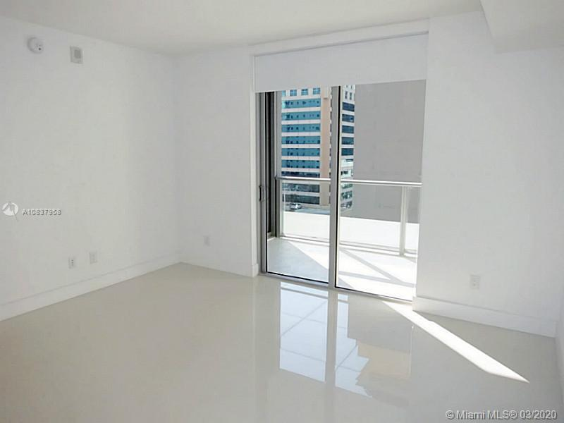 1300 Brickell Bay Dr #1001 photo012