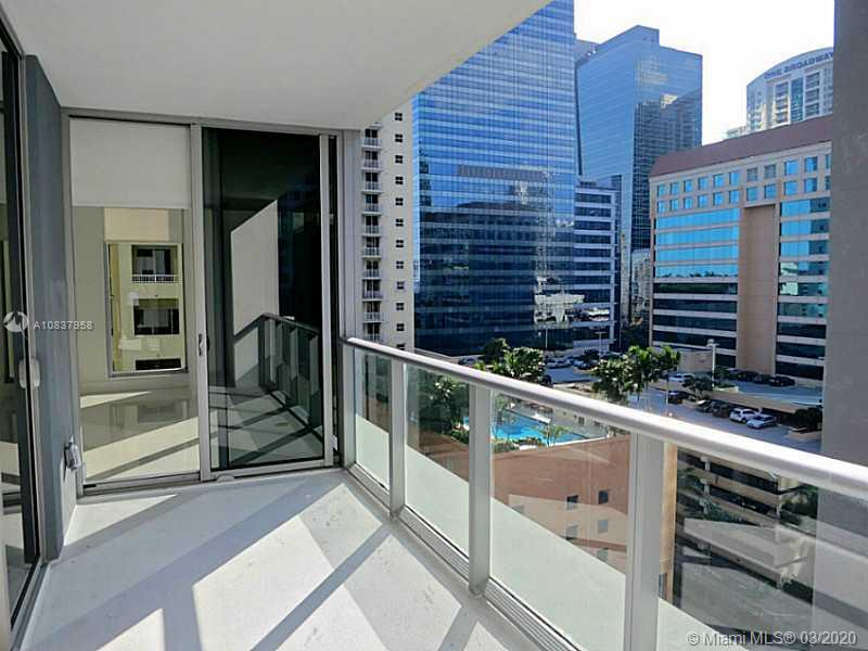 1300 Brickell Bay Dr #1001 photo09