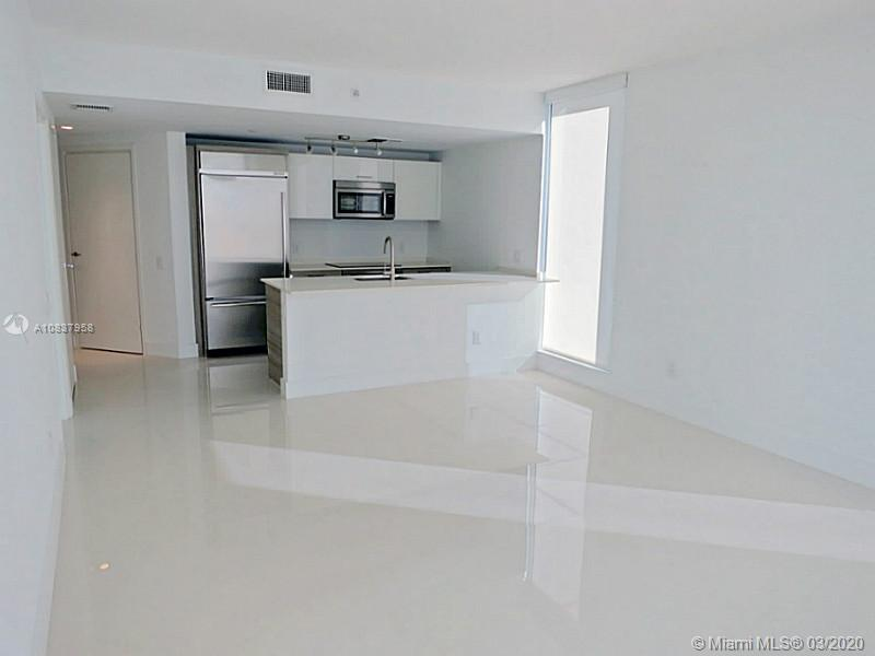 1300 Brickell Bay Dr #1001 photo024