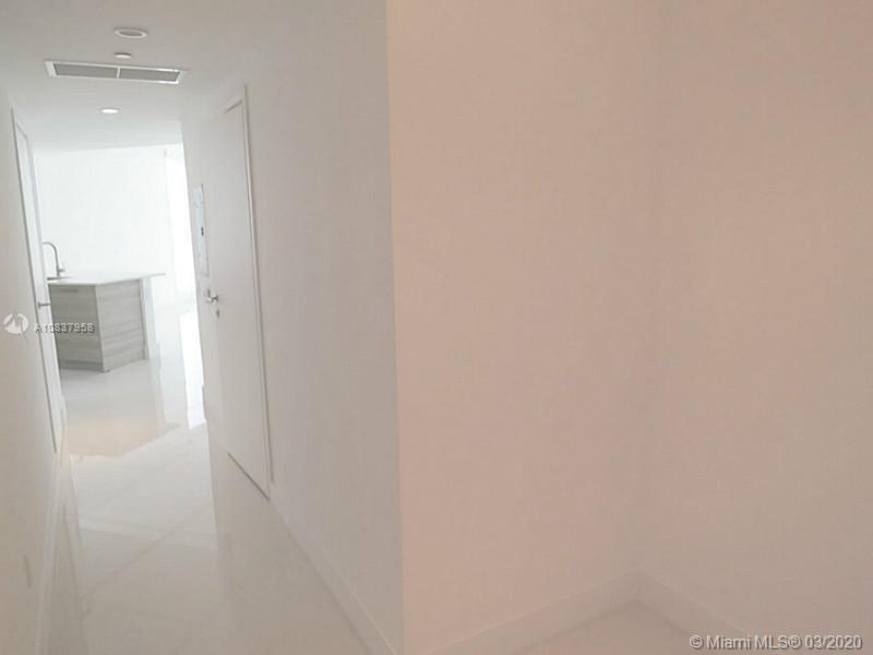 1300 Brickell Bay Dr #1001 photo018