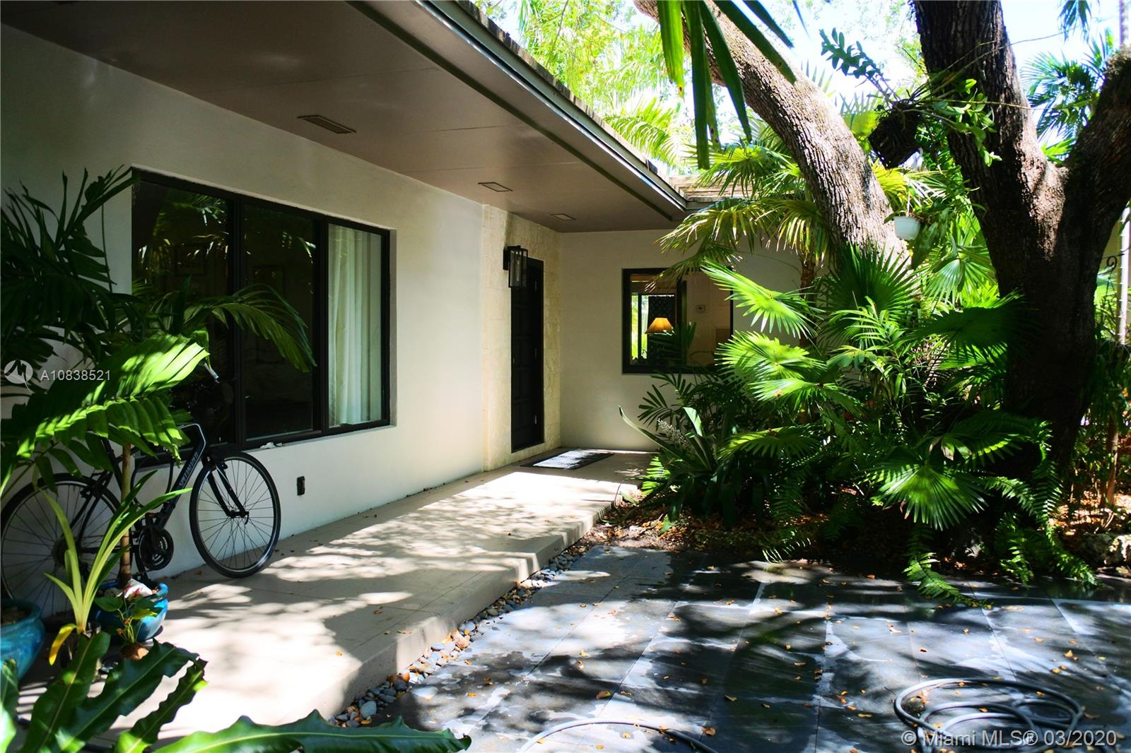 151 Edgewater Dr, Coral Gables, Florida 33133, 4 Bedrooms Bedrooms, 8 Rooms Rooms,2 BathroomsBathrooms,Residential,For Sale,151 Edgewater Dr,A10838521