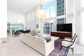 Property 1040 Biscayne Blvd #1004 image 3