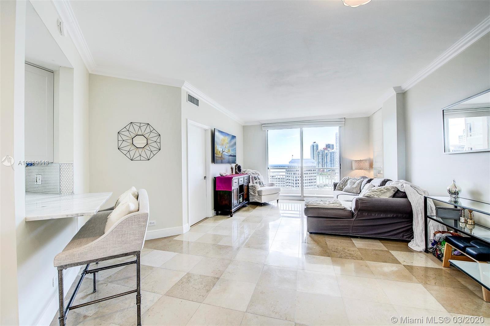 888 Brickell Key Dr #1802 photo03