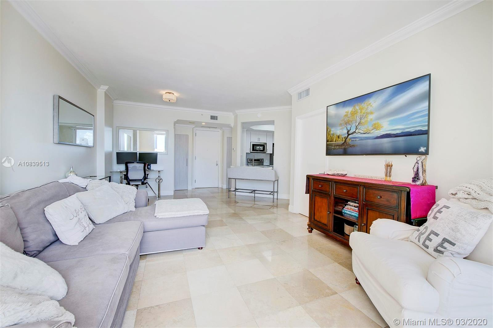 888 Brickell Key Dr #1802 photo04